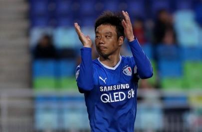염기훈, 수원팬들이 뽑은 4월의 MVP…통산 7번째